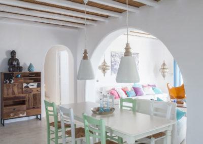 Villa Elafina | Essbereich mit grossem Esstisch
