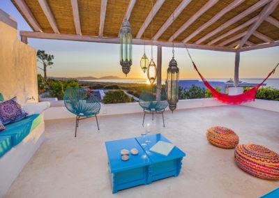 Villa Elafina | Lounge-Sitzplatz mit Blick über das Meer zum Cap von Lindos
