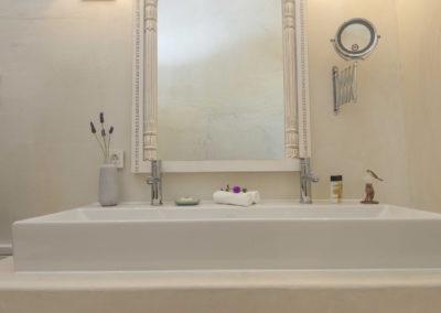 Villa Elafina | Doppel-Waschbecken Bad im oberen Geschoss